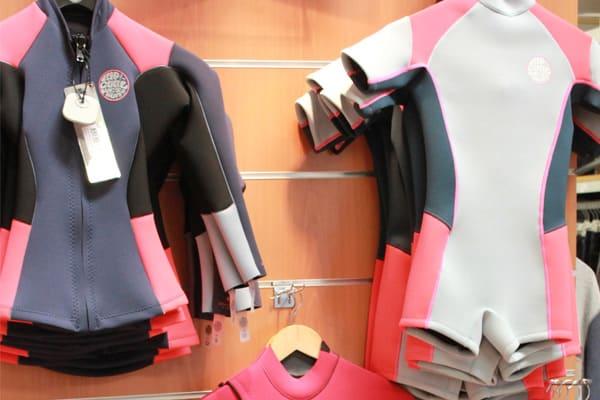 Ocean Gate store : boutique de matériels de surf et sports de glisse à St Pierre Quiberon.