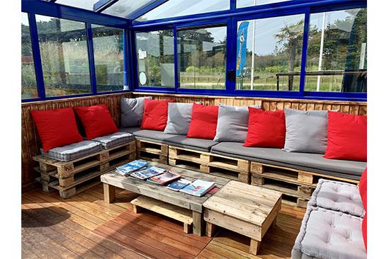 Un espace café pour se détendre à Quiberon